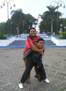 gendong mbah darmo
